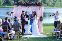 """Santuokos ceremonija prie ežero sodyboje """"Pas Šestoką"""""""