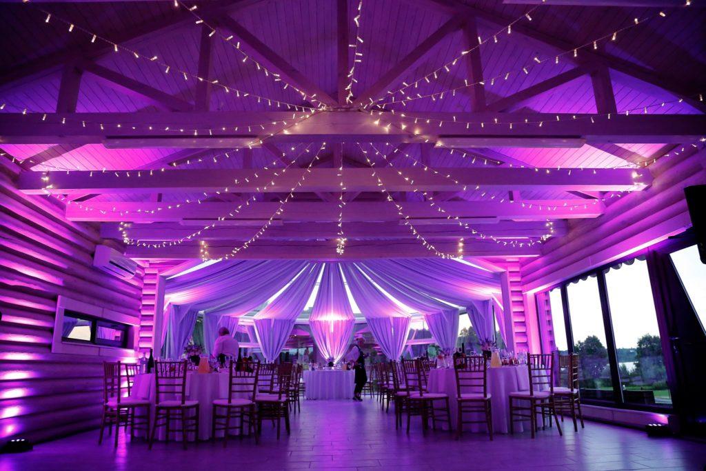 Lemputes sventei vestuvems sodyboje Pas Sestoka lempuciu nuoma