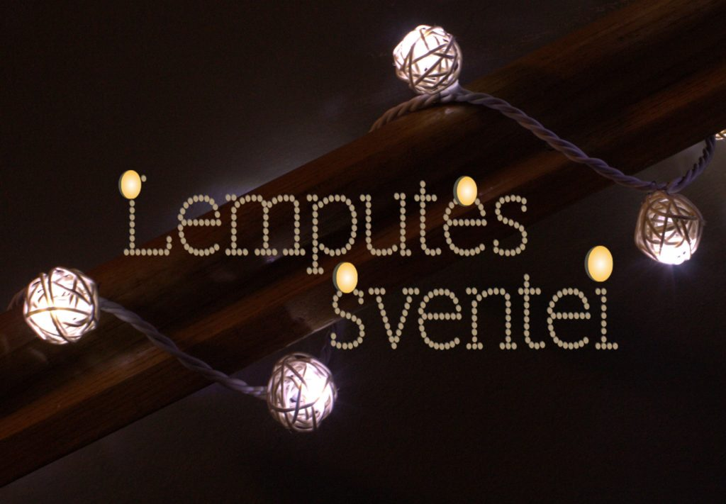 """Šviečiančiomis lemputėmis vilos """"Pas Šeštoką"""" patalpas puošia - """"LEMPUTĖS ŠVENTEI"""""""