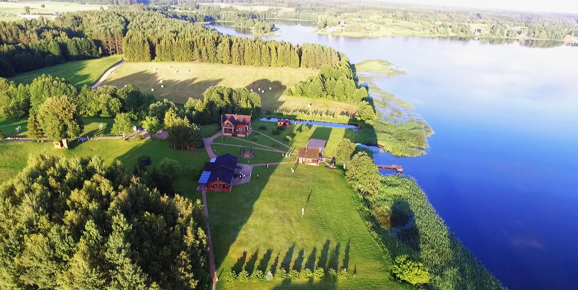 PAS ŠEŠTOKĄ vila sodyba prie ežero Molėtų rajone
