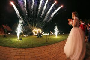 Viduramžiai ugnies šou vestuvėse viloje Pas Šeštoką